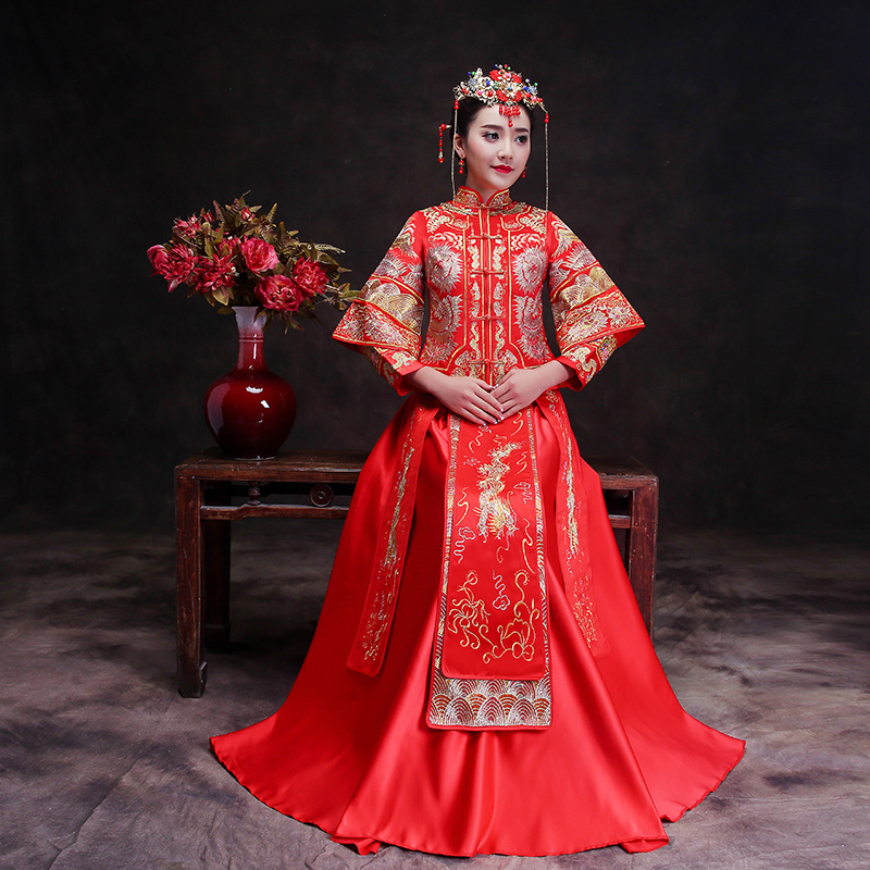 Здесь продается  2018 Women Phoenix Embroidery Cheongsam Logn Qipao Wedding Dress Traditional Chinese Dresses China Clothing Store Chinees Jurkje  Одежда и аксессуары