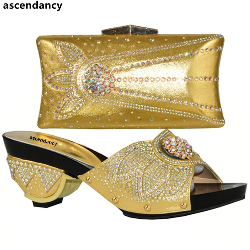 Borsa Nigeriano viola Donne Corrispondenza Scarpe Con argento Oro Arrivo In colore Nuovo E Oro Di Colore Vendita Set Decorato Strass Rosa ARj354Lq