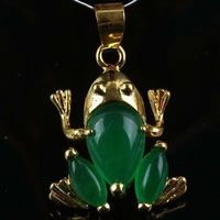 Wholesale FREE SHIPPING G HG H Beautiful Green Jade Frog Pendant Necklace