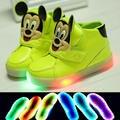 2017 nueva moda led iluminación sub-casual shoes niña bebé de la historieta de mickey impresión indicador parpadea shoes sneakers