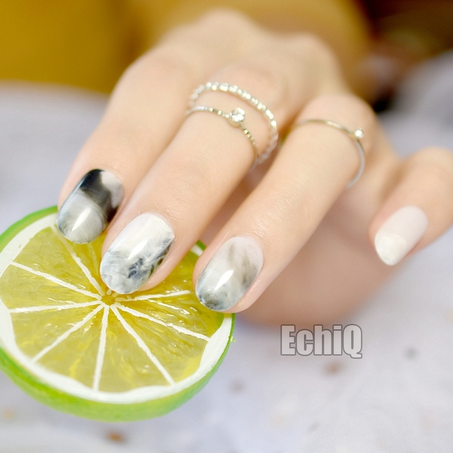 Short Marble Gray Fake Nails Full Cover Oval Press On 24 Nail Tips 00with Clear Adhesive
