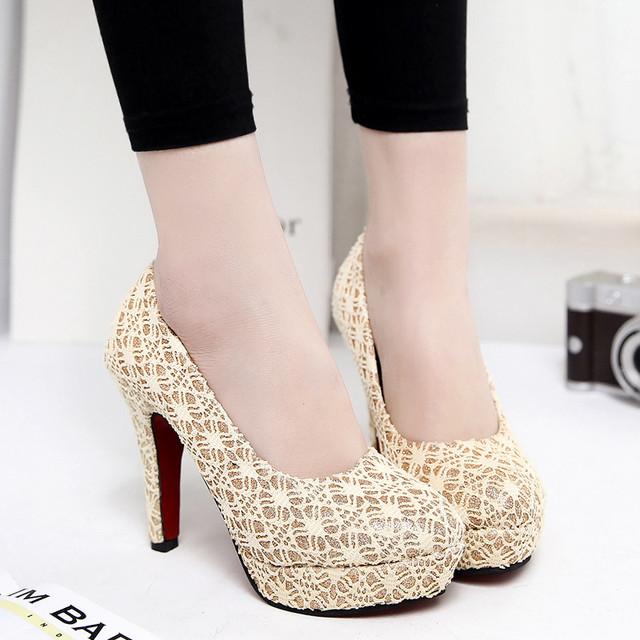 Mulheres Bombas Plataforma doce Bonito Lace Super Sapatos de Salto Alto feminino Dedo Do Pé Redondo Plataforma Sexy Bombas de Sapatos de Casamento Bege D116 35