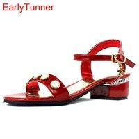 Marca New Mulheres Doce Casual Sandálias de Prata Vermelho Rosa Bege Moda Feminina pérolas Sapatos de Salto baixo EY7-1 Além Big Size 12 31 43 48