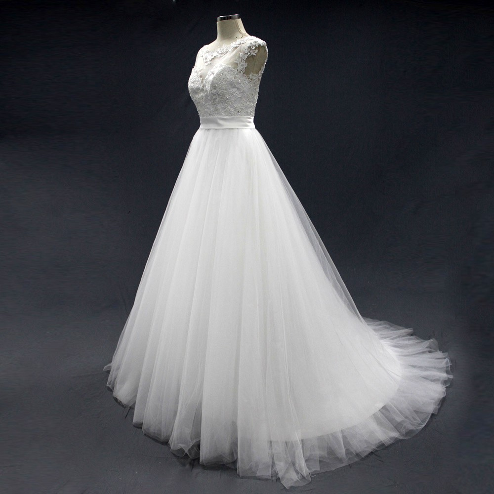 Good quality appliqued lace tulle girl princess wedding for Big white wedding dresses
