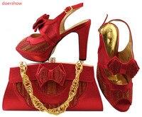 Doershowใหม่สีชมพูคริสตัลจัดงานแต่งงาน/พรรครองเท้าและกระเป๋าให้ตรงกับผู้หญิงแฟชั่นสูงรองเท้...