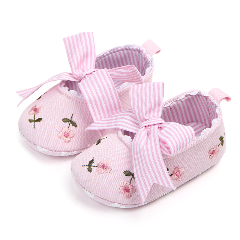 New Spring Autumn Baby Girl First Walker For Newborn Floral Embroidered Bow Princess Shoes Baby Girl Wedding Party Shoes