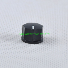 все цены на 10pcs Black Rotary Control Plastic Potentiometer Knob Guitar Knurled Shaft Hole онлайн