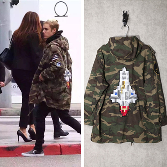 1665aeb5284ab 16ss fashion embroider outerspace rocket badges camo long hood trench jacket  men and women camouflage windbreaker