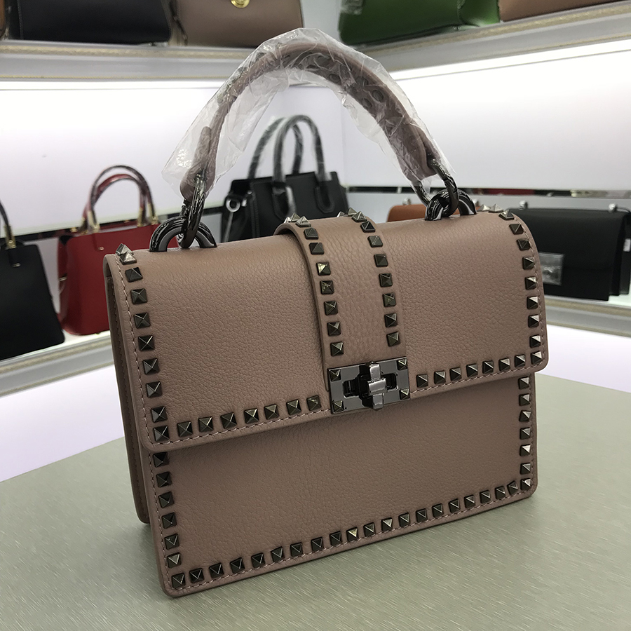 NEW luxury handbags high quality women bag rivet clutch tote purse Imported leather brands chains shoulder bags yuanyu 2018 new hot free shipping real python leather women clutch women hand caught bag women bag long snake women day clutches