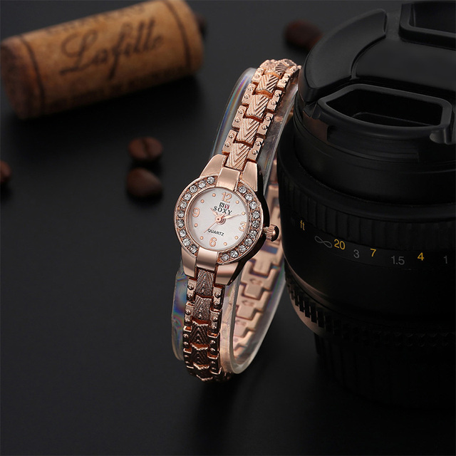 Hot Luxury Rose Gold Watch Fashion Bracelet Watch Women Elegant Rhinestone Quart