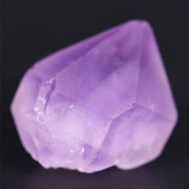 1ชิ้นสุ่มขนาดธรรมชาติจุดหินจี้ลูกตุ้มคริสตัลจักรสีม่วงบำบัดเรกิลูกปัด