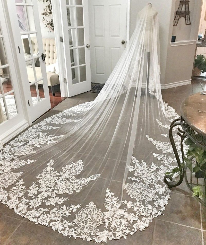 New Gorgeous 3 5M White Ivory Beautiful Cathedral Length Lace Edge Wedding Bridal Veil With Comb
