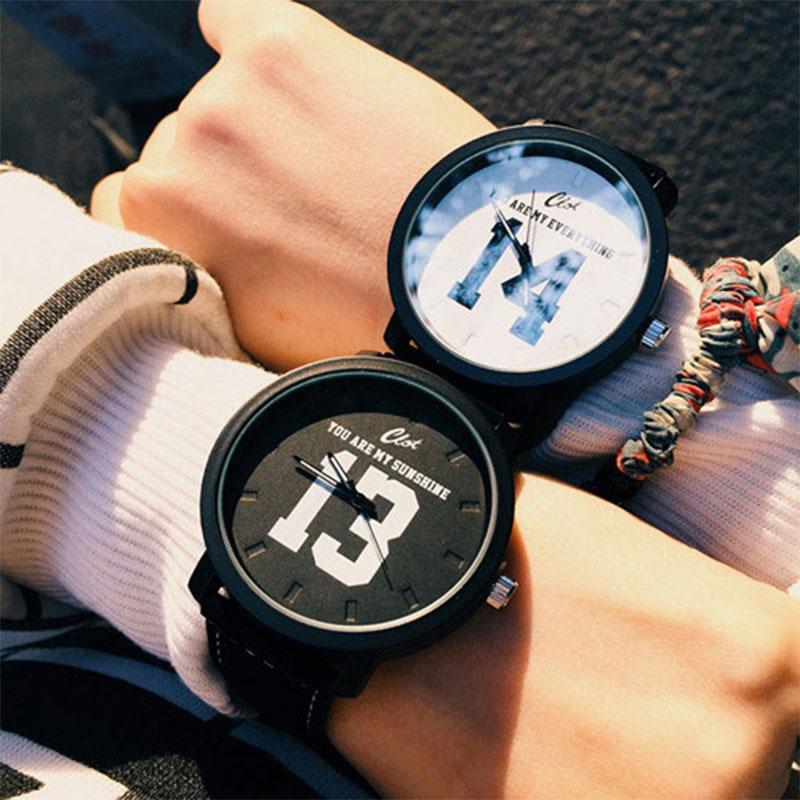 Mode vente chaude supérieure Quartz analogique Faux bracelet en cuir noir montre-bracelet avec numéro 13 et 14