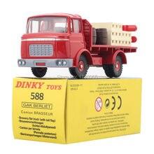 DINKY TOYS 588 CAK BERLIET PLATEAU BRASSEUR Static alloy car model toy