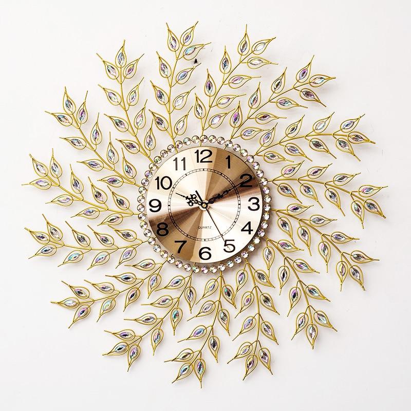 The living room wall clock watch modern European minimalist decoration mute quartz clock