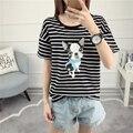 2017 de Las Mujeres Rayó Impreso Camiseta Niñas de Algodón de Verano Tops Perro Impreso de Calidad Superior camiseta de manga Corta Del O-cuello Blusa