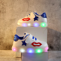 2018 European Lighted Fashion Baby Casual Shoes LED Glowing Sneakers For Girls Boys Cute Lip Solid
