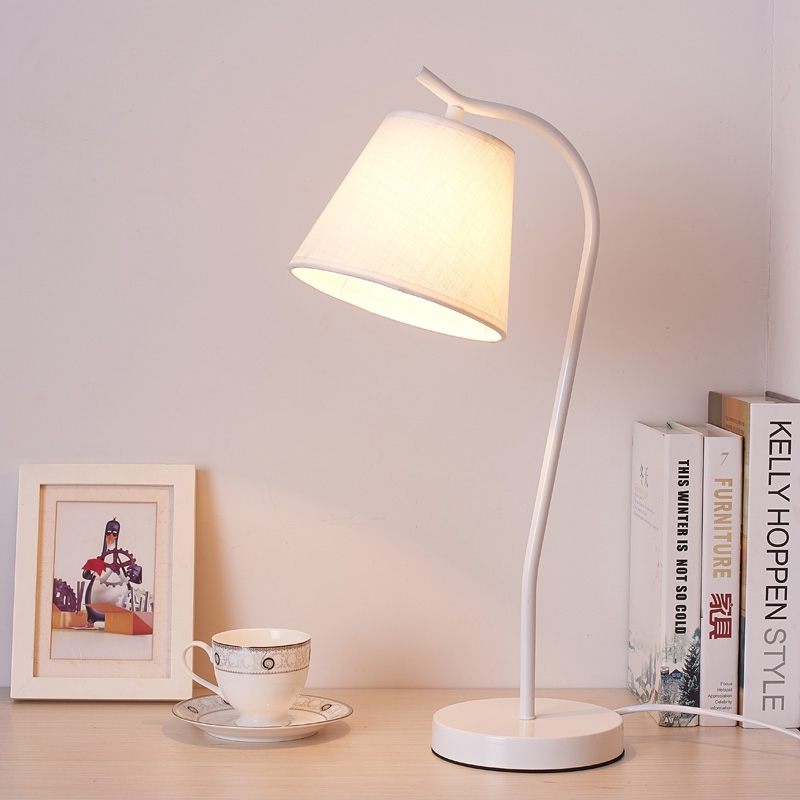 European Style Table Lamp Iron LED Desk Lamp with Fabric Lampshade lamparas de mesa Table Light Bedside Hotel Table Lamp trazos modern table lamp hotel book lights lamparas de mesa bedside reading light e27 luminaria de mesa with led bulb for free