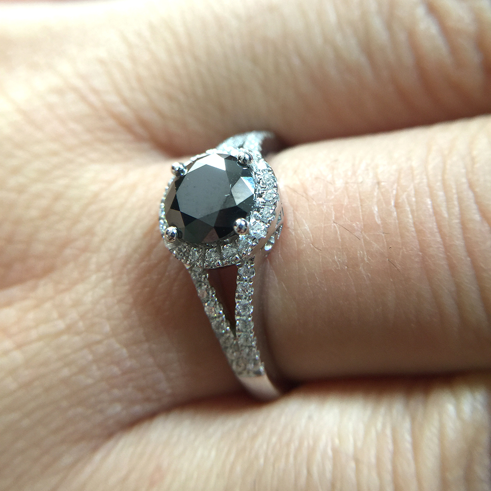 925 Silver Black Round Moissanite 2carat 8MM lab Diamond Halo Wedding Engagement Ring with Side Stoens for Women