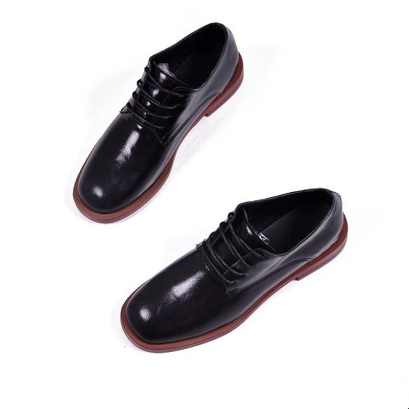 2018 Spring and Autumn flat shoes round head lace-up PU casual shoes fashion Large size silver, black Women Shoe Flats Loafers spring and autumn new women fashion shoes casual comfortable flat shoes women large size pure color shoes