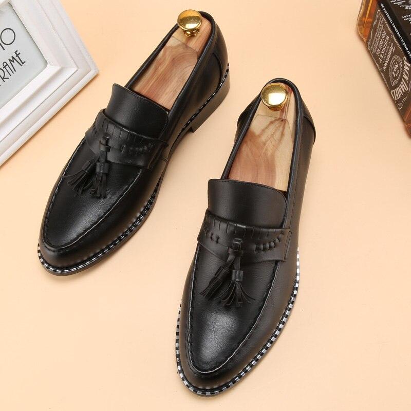 8fd663607 Homem designer de sapatos masculinos borla marrom marca de luxo loafer  ballet flats pontas do dedo do pé calçado masculino 2017 oxford vestido  sapatos para ...