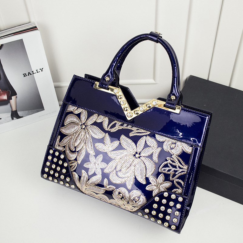 3866 Wholesale Europe and the United States Women Bag Patent leather ladies handbags Embroidery Genuine Leather Shoulder bag3866 Wholesale Europe and the United States Women Bag Patent leather ladies handbags Embroidery Genuine Leather Shoulder bag