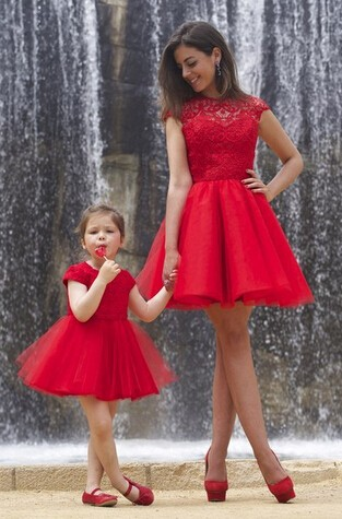 Vestido de nina rojo