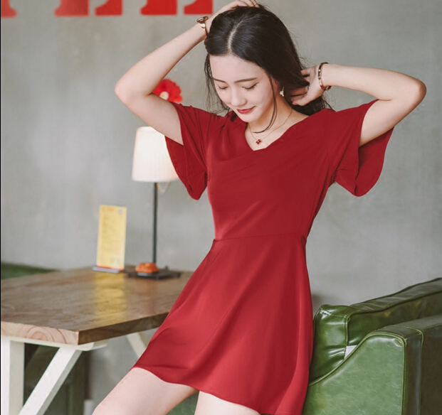 Europe and America Literary small fresh Fashion V neck red wine black color Simple halter Vintage Hepburn woman dress