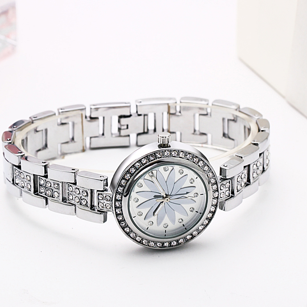 New arrival Elegant Wrist Watches for Women Luxury Quartz Crystal Dial Alloy Bracelet Wholesale price free drop shipping 3