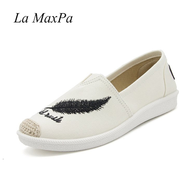 Women Embroidery Leaves Fisherman Shoes Fashion Casual Slip-on Canvas Flats Soft Soles Cane Hemp Straw Loafers Plus Size 35-42 suojialun spring women loafers cane hemp straw fisherman flat heel shoes woman slip on casual fashion flower shoes