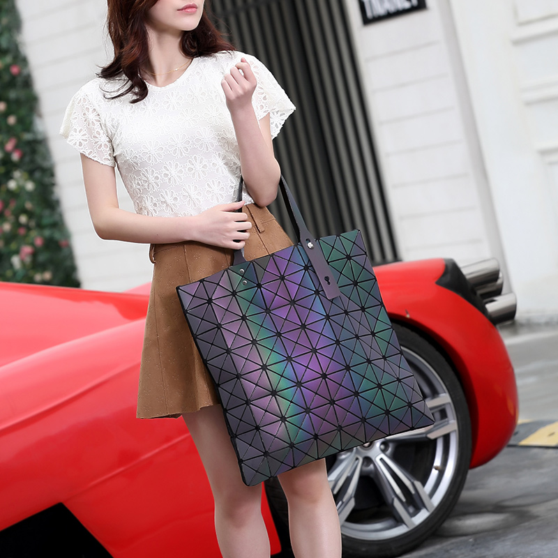 Women Luminous Handbag Bao Bao Female Folded Geometric Plaid Bag Fashion Casual Tote Woman Handbag Mochila Shoulder Bag BAOBAO aresland women bag female folded geometric plaid bag designer fashion casual tote women handbag shoulder bag quality leather