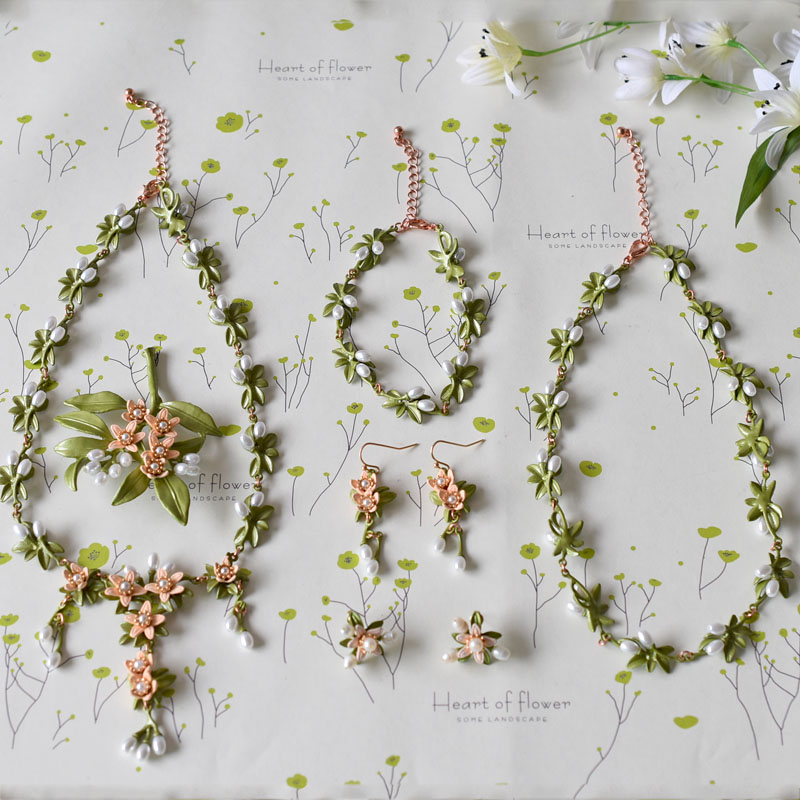 Europe and the United States Green Paint Flower Pearl Necklace Bracelet Brooch Earrings For Women Jewelry a suit of chic fake pearl rhinestone hollow out flower necklace and earrings for women
