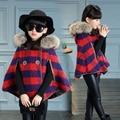 Niñas ropa de abrigo de lana 2016 de otoño e invierno engrosamiento capa a cuadros de lana de abrigo del cabo superior