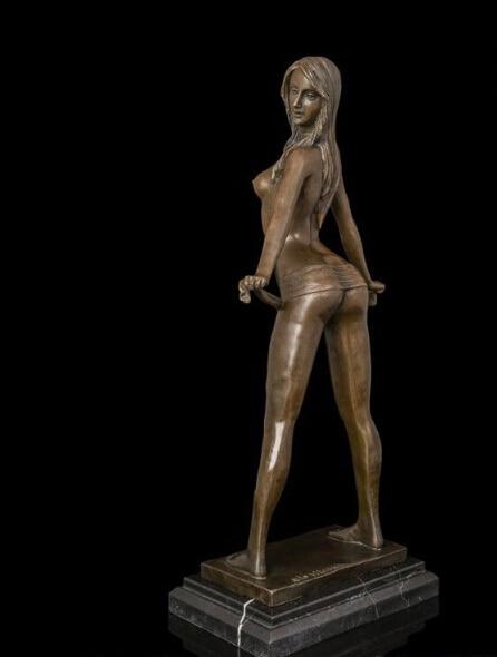 sexy latino female nude selfies