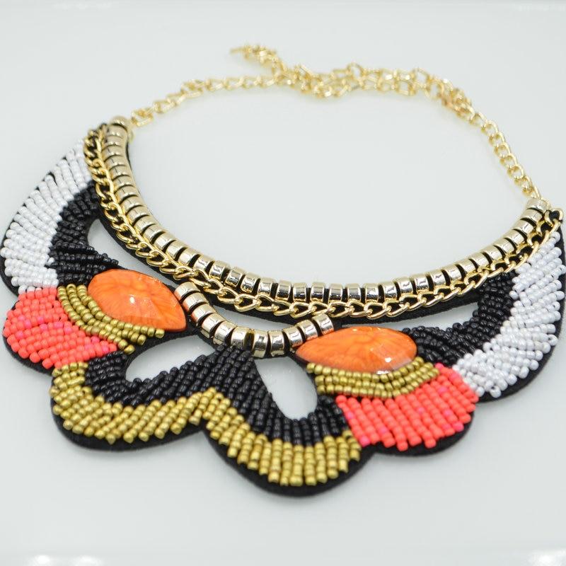 Nuevo Collar de moda Collares Étnicos Del Bordado hecho a mano Abalorios de  Colores Colgante de
