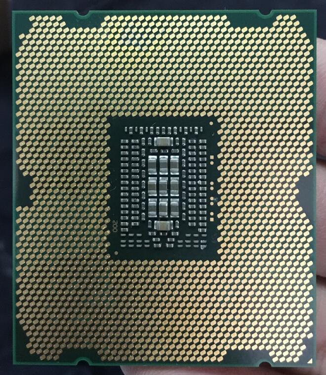 Intel Xeon Processor E5 2640 E5 2640 Six Core C2 Desktop processor 100 normal work CPU Intel Xeon Processor E5-2640 E5 2640 Six Core C2 Desktop processor 100% normal work CPU 2.5 LGA 2011 SROKR