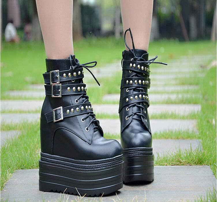 2019 automne et hiver nouveau cool noir vent rivet 13 CM chaussons tête ronde côté zip plat avec Martin bottes