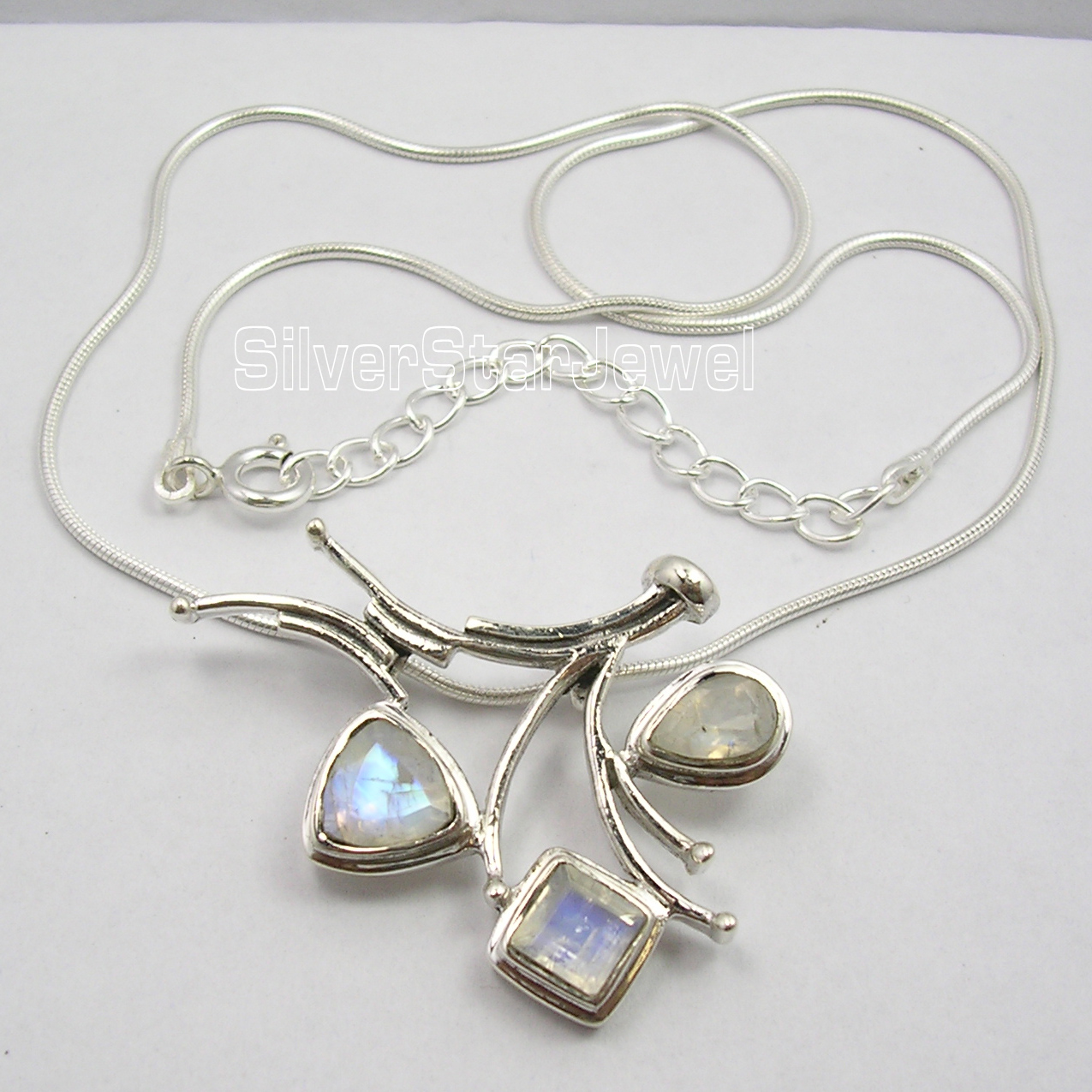Chanti International . Pure Silver BLUE FIRE RAINBOW MOONSTONE 3 STONE TRENDY Necklace 18.5 Inches signed gfriend autographed photo rainbow 6 inches freeshipping 2 versions 102017