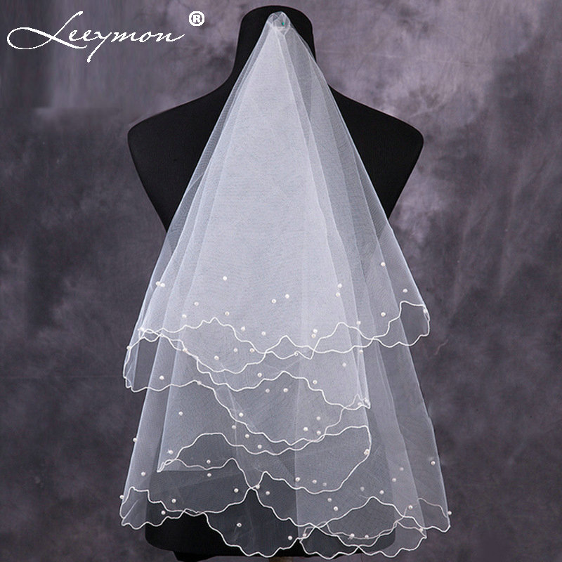 Gorgeous White Red Short Multi Layer Tulle With Pearls Bridal Veils 2017 Long Cathedral Bride Wedding