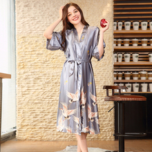 RB0120 Brand Women Robes 2018 New Crane Printed Bathrobe Satin Silk Nightwear Lady Soft Sleepwear Female Long Robe Femme Pyjamas