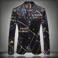 2015 Nuevo Otoño Y El Invierno Masculina de Alta Calidad Traje Del Alfabeto de Impresión hombres Chaqueta Cantante Bailarina Estrellas de Rendimiento de Desgaste de los hombres chaqueta