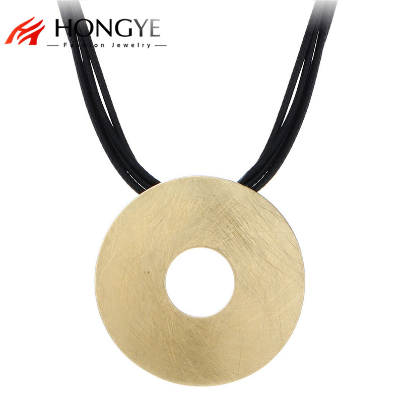 Gros Collier Femme 2017 Multilayer Black Leather Necklace Bib Wire Draw Round Hollow Pendant Necklace Women Noble Charms Jewelry