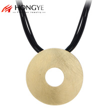 Gros Collier Femme 2017 Multilayer Black Leather Necklace Bib Wire Draw Round Hollow Pendant Necklace Women