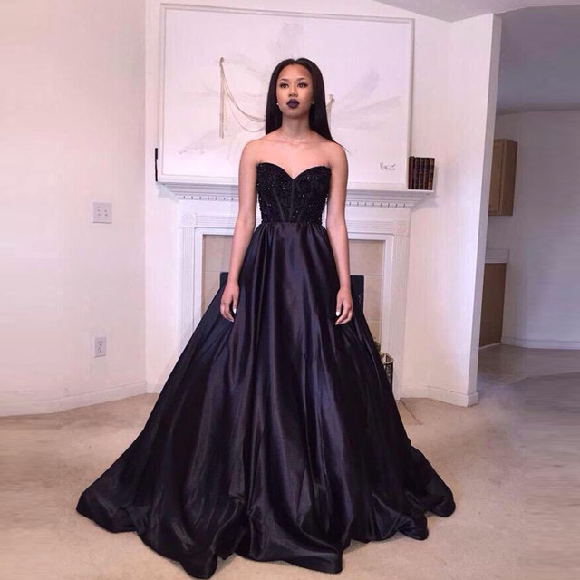 Black Beaded Corset Top Ball Gown Prom Dress 2017 Sexy Backless