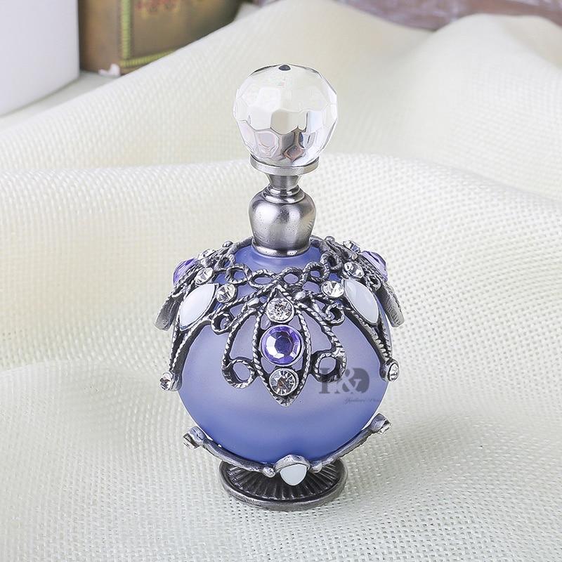 H & D 25 ml Vintage Reconstituant Des Manières Antiques Creux-out En Rotin Fleur Bouteilles De Parfum Vide Rechargeable (Violet)