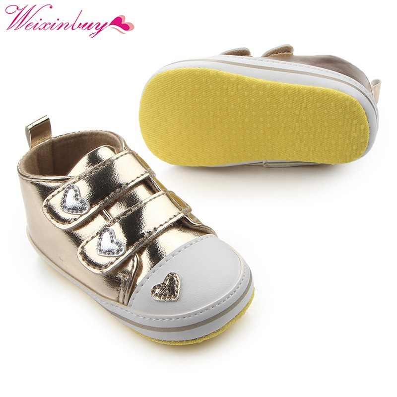 אביב נעלי יילוד תינוק בנות קלאסי לב בצורת עור מפוצל טניס שרוכים סתיו הראשונה הליכונים 13
