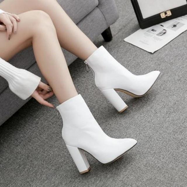Модные белые сапоги; обувь на высоком каблуке; Ботинки martin; острый носок; 40 ярдов; толстые и короткие сапоги; тонкая женская обувь.