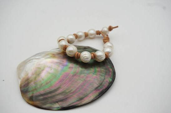 Charming Pearl Jewellery Leather Pearl Bracelet Big White Potato Freshwater Pearl Bracelet Black Brown Red Leather For Choose