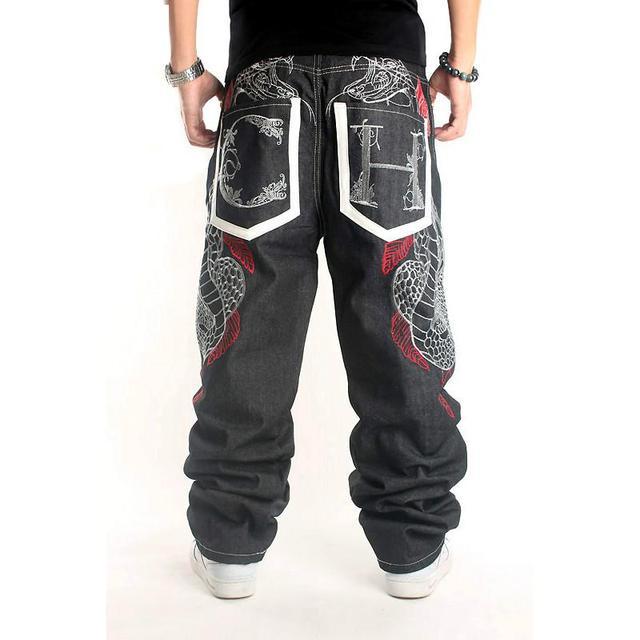 Pantalones vaqueros holgados para hombre de moda 2017 tallas grandes 44 Hip  Hop pantalones vaqueros largos b3a40bf6765