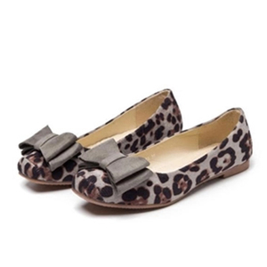 Image 2 - BEYARNELadies Leopard Printed Flats Square Toe Driving Shoes Grey Red Soft Slip ons For Pregnancy Women Breathable Plus SizeE709